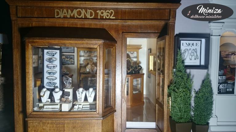 The Jewelry store DIAMOND